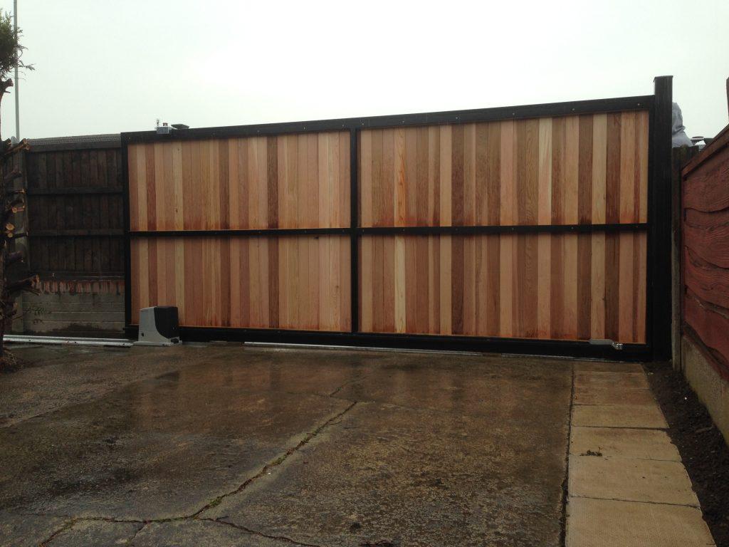 007-1024x1024 Cedar Cladded Automated Sliding Gate [Nice RB600]
