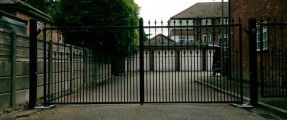 New Installation of Wrought Iron Drive Gates, Nice BM4024 & Pedestrian Gate [Underground Swinging Gate Automation System]