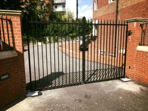 37680030_1789839614404147_1736355823510093824_n-300x225 Installation to existing gates - in & out residential apartment block [Nice L-FAB automation with keypad access]