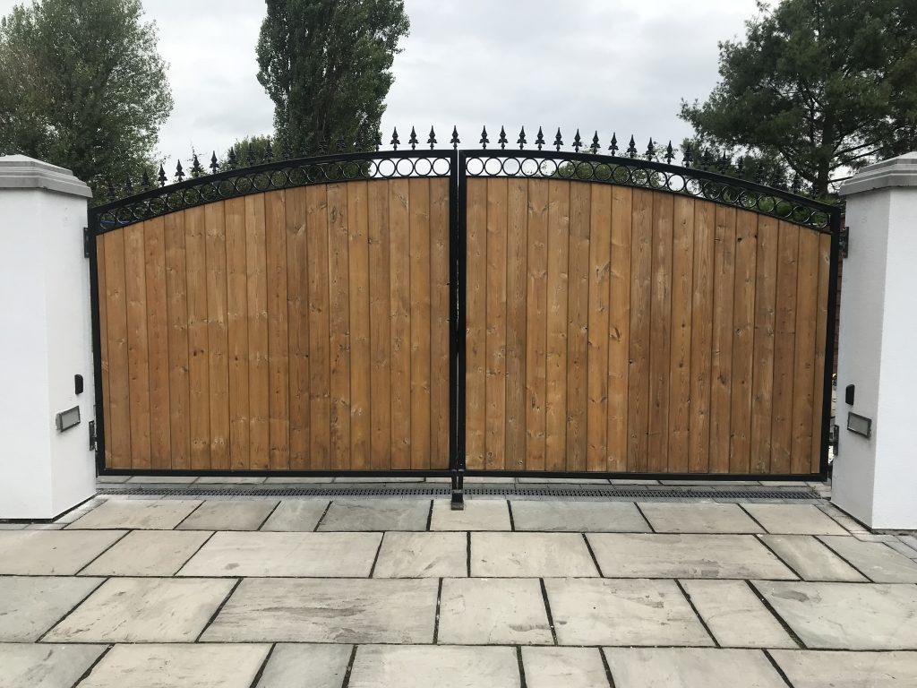 IMG_1669-1024x768 Installation to existing wooden gates [Beninca pot & rod automation]