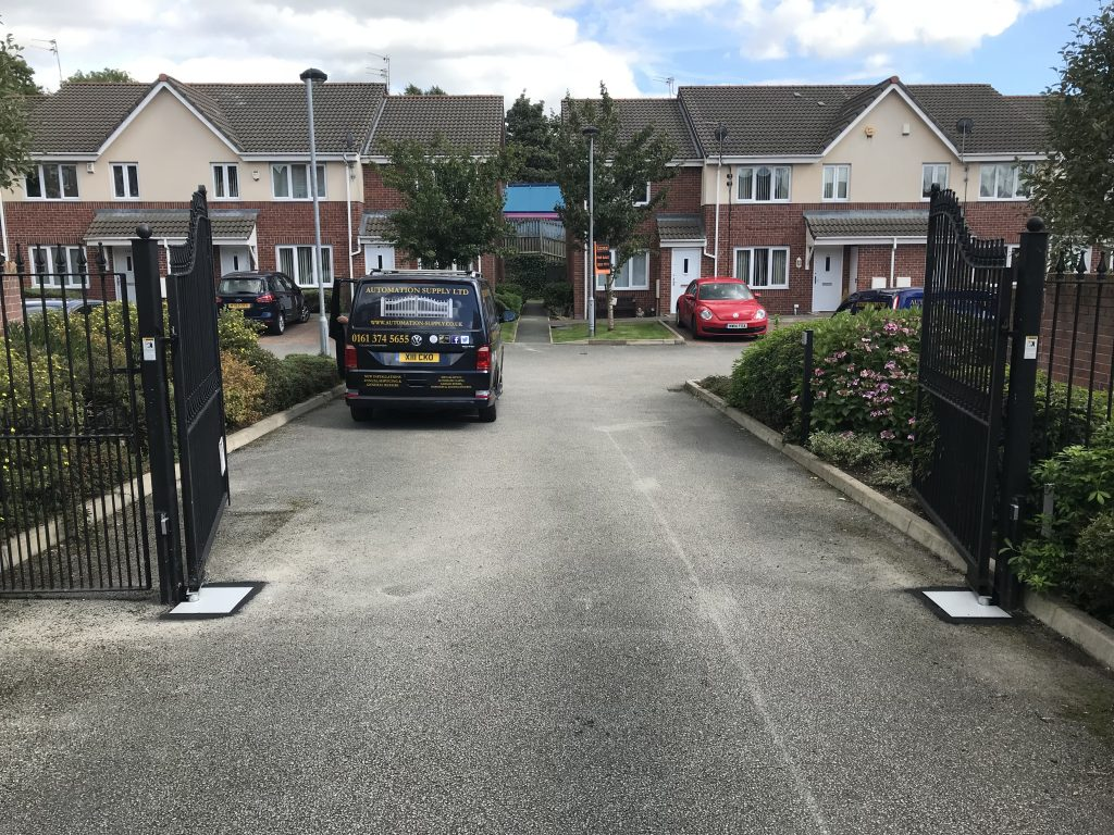 IMG_1732-1024x768 Installation to existing wrought iron gates on residential site [Nice L-FAB automation]