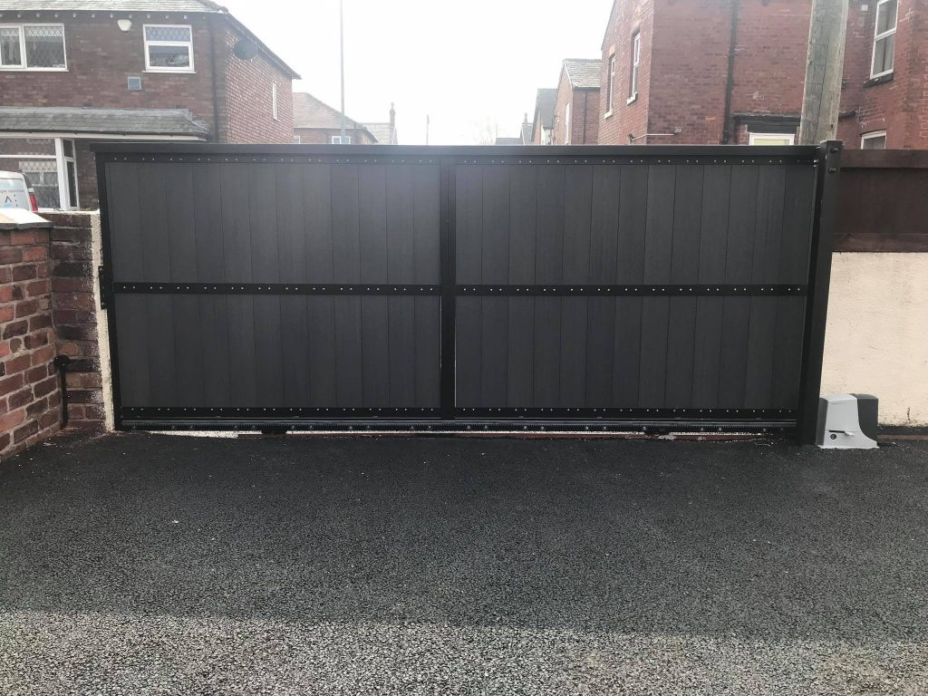 57486496_2181223738599064_3133102595741057024_o-1024x768 New installation [Composite sliding gate with Nice Robus automation]