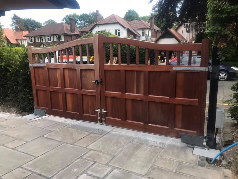 64260502_2262015447186559_1004755689924460544_n Installation to existing wooden gates [Nice L-FAB automation with 180 chain drive]