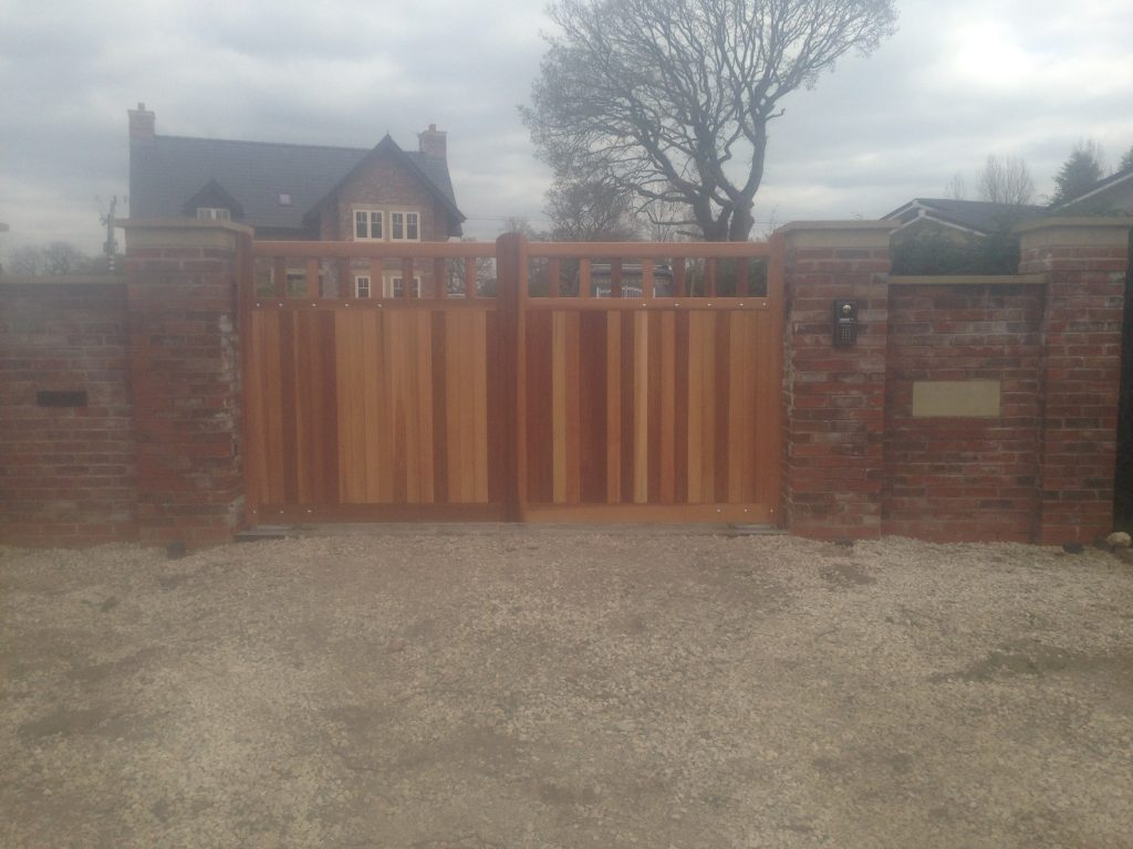 IMG_2769-1024x768 New installation [Wooden gates with Nice L-FAB automation & Videx GSM intercom]