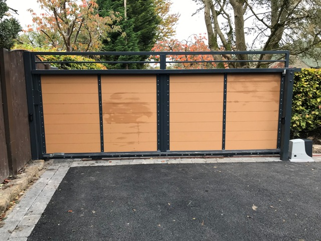 IMG_3936 New Installation [Composite sliding gate with Nice Robus 1000 automation]
